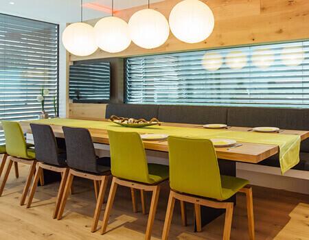 Bezdrátový prvek snadno umístíte kdekoli, klidně i pod jídelním stolem