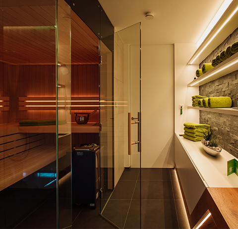 sauna w showhome