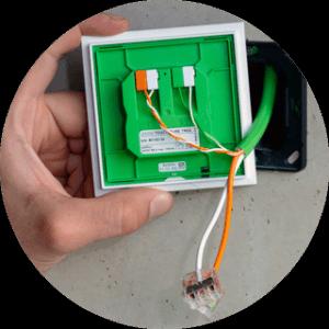 Kable na przycisku Touch