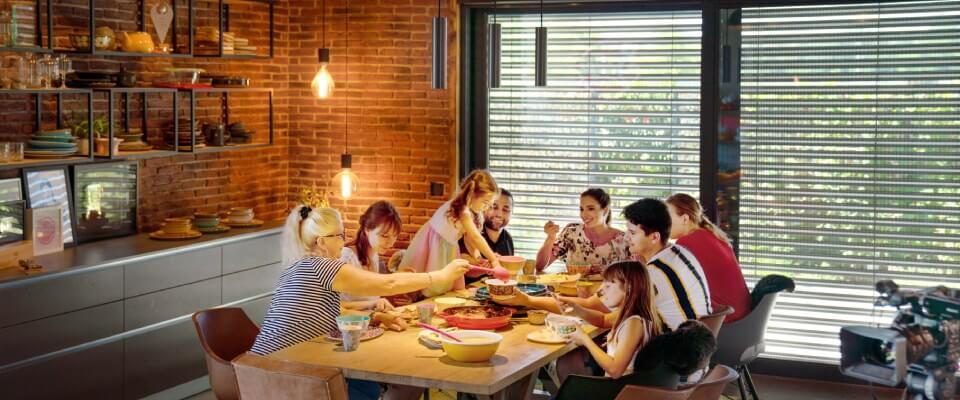 Rodina u večeře