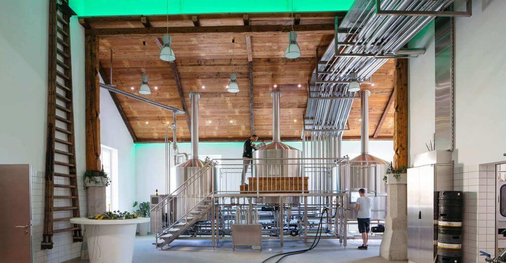 Pohľad do výrobnej haly Pivovaru Hofsteten